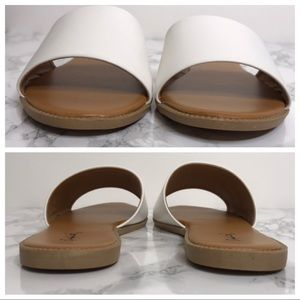 Qupid Shoes - NEW Simple One Band Slip On Slide Sandals White